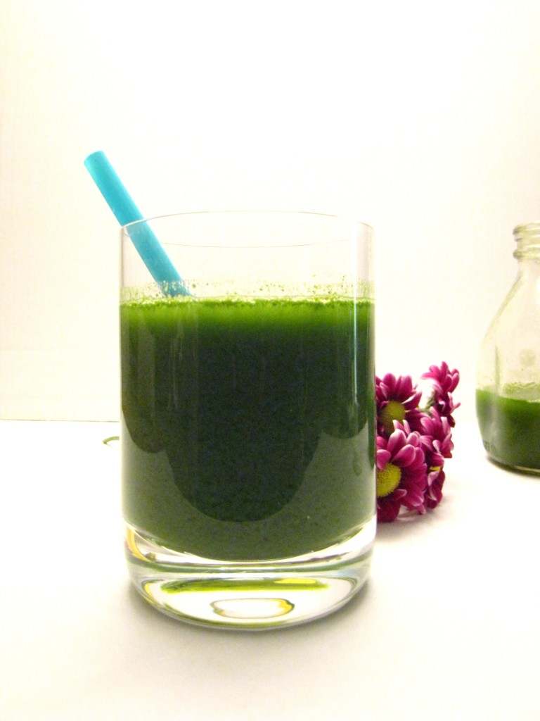 kaleaide, kale, gren juice, kaleaid juice, lets regale, letsregale, healthy, recipes, green recipes, green juice recipes