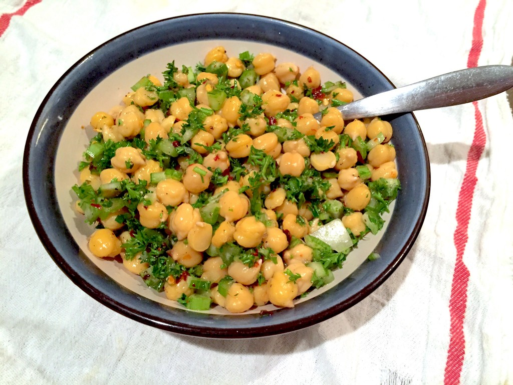 light and refreshing chickpea salad