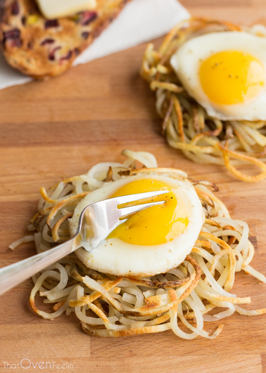 POTATO NOODLE HASH BROWNS -  Brilliant! Just brilliant. These Potato Noodle Hash Browns will give a whole new meaning to your breakfast. Spiralize a potato, then place in a waffle iron or panini press for perfect potato nests. It's that simple! That Oven Feeln
