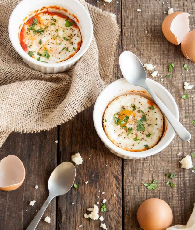 Baked-Eggs-in-Salsa-138-640x756
