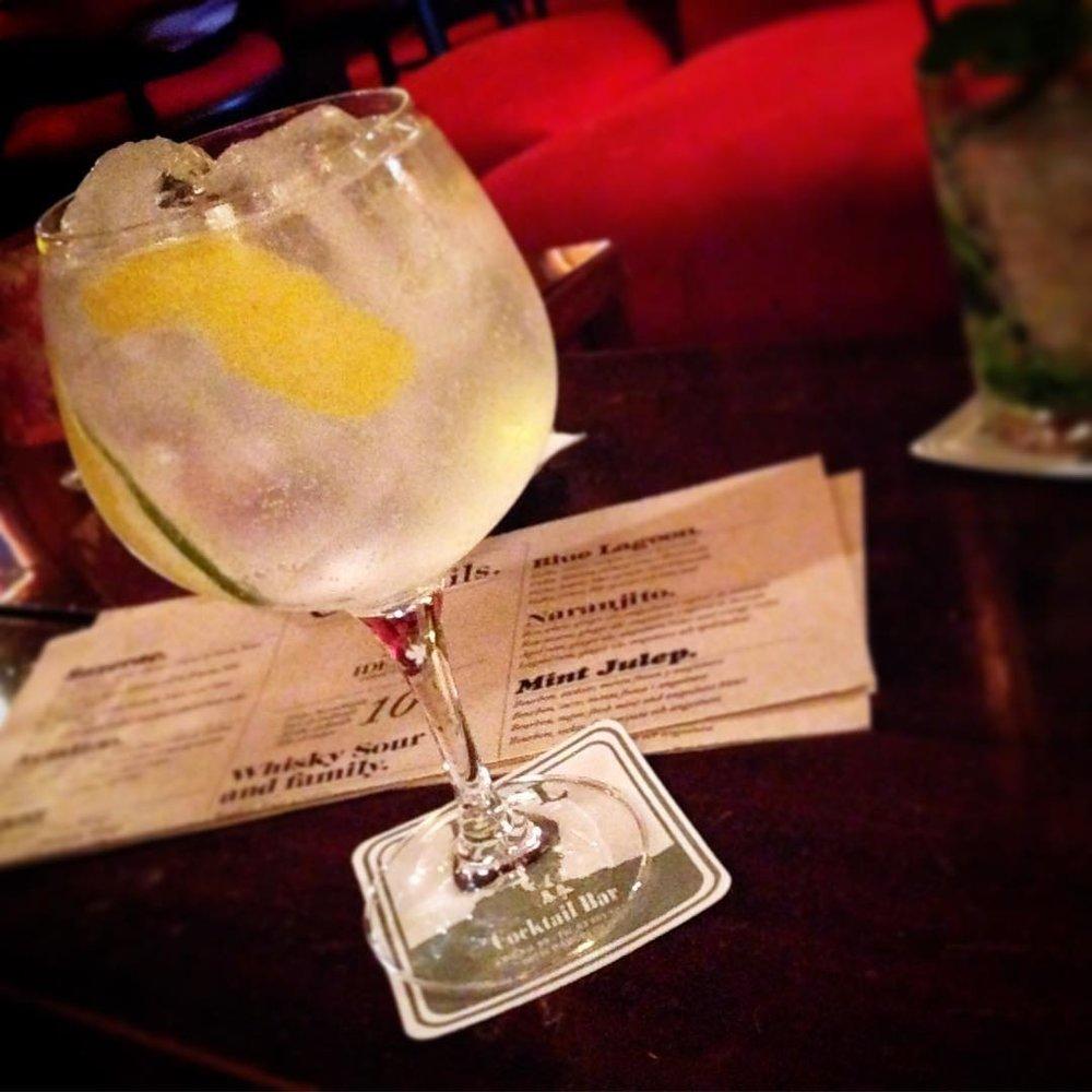 Ideal Cocktail Bar