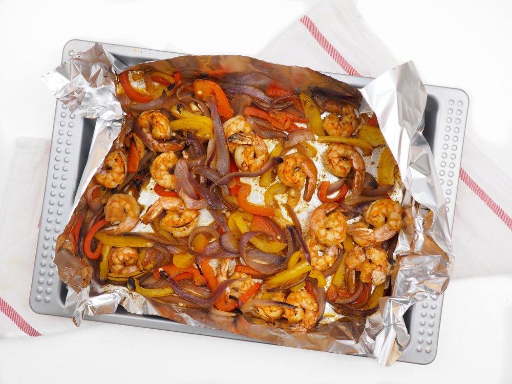 naked-shrimp-fajitas_letsregale-com_1.jpg