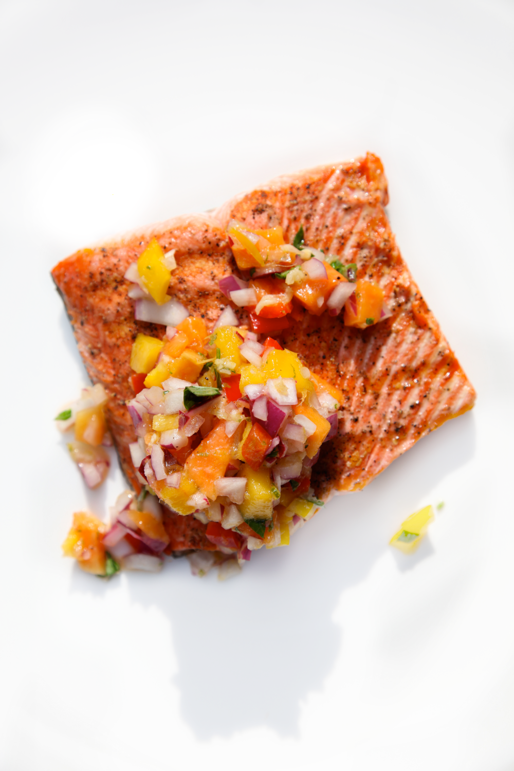 Grilled Salmon Fillets with Papaya Salsa 2