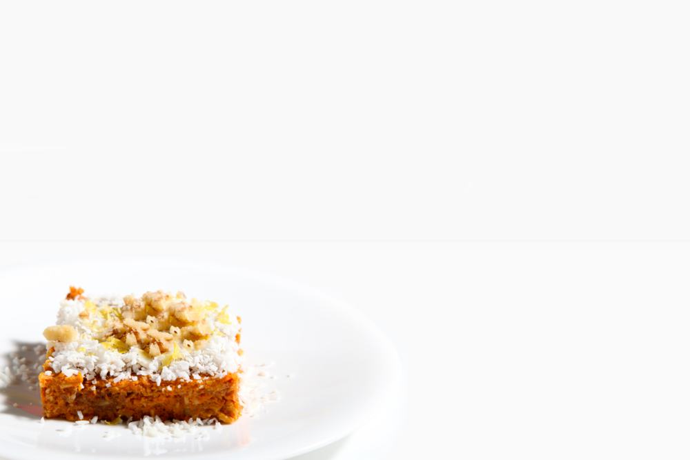 Raw Carrot Cake with Coconut Icing_3