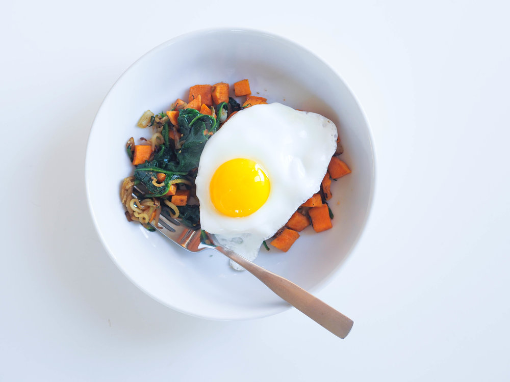 Veggie-Overload-Bowl-Sweet-Potato-Spinach-Zoodles_1.jpg