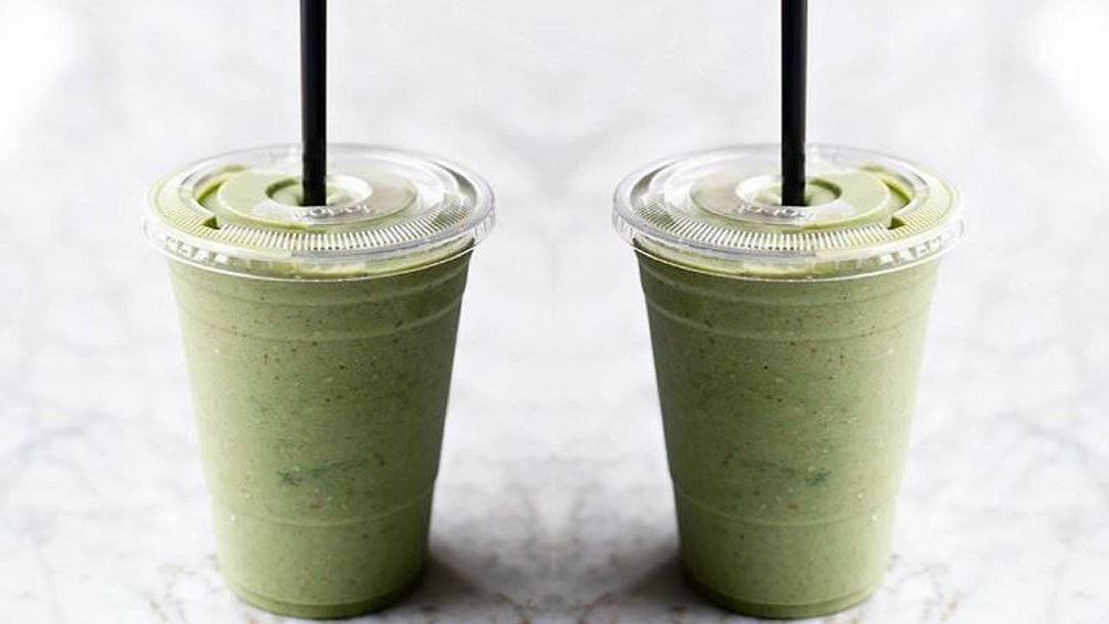 Green-Chai-Cinnamon-Bun-Smoothie-1.jpg