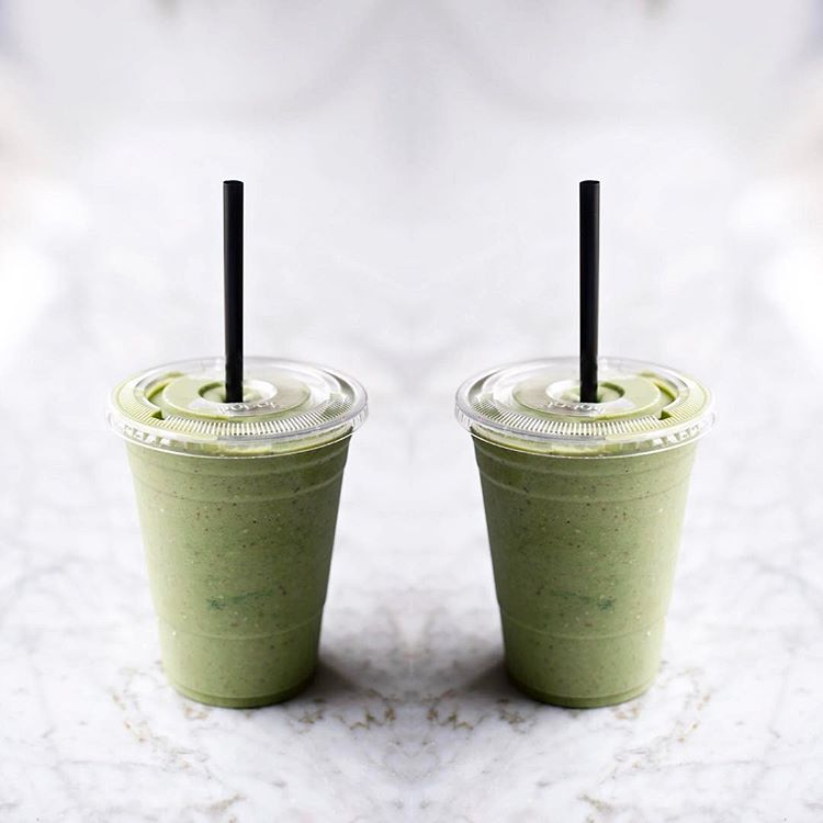 Green-Chai-Cinnamon-Bun-Smoothie.jpg