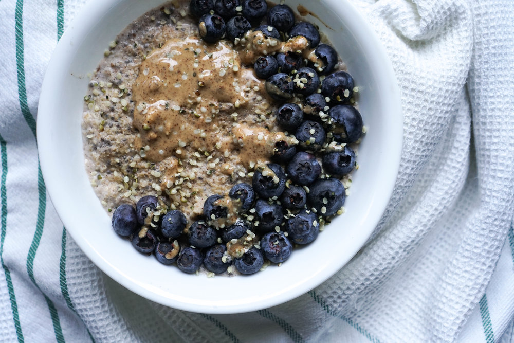 super oats with chia seeds, hemp seeds and cinnamon