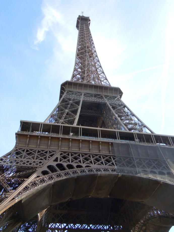 ramblist_eiffel_tower_2.jpg