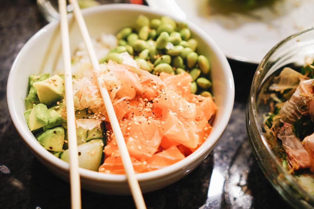 avocado_bun_burger_and_sushi_bowl_recipe_3.jpg