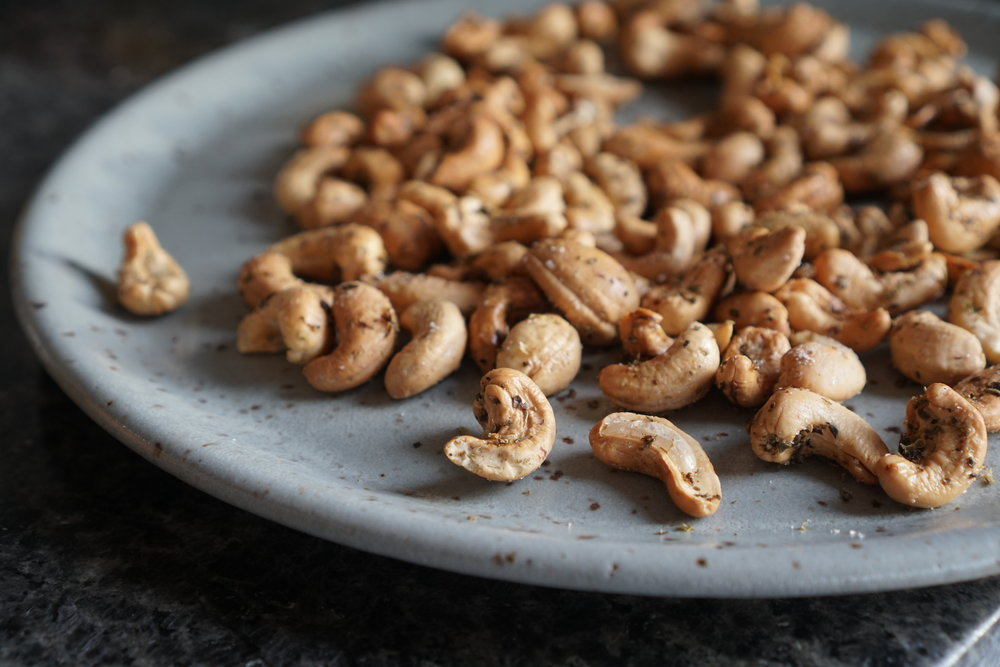 Italian Herbed Cashews Paleo Whole30_4.JPEG
