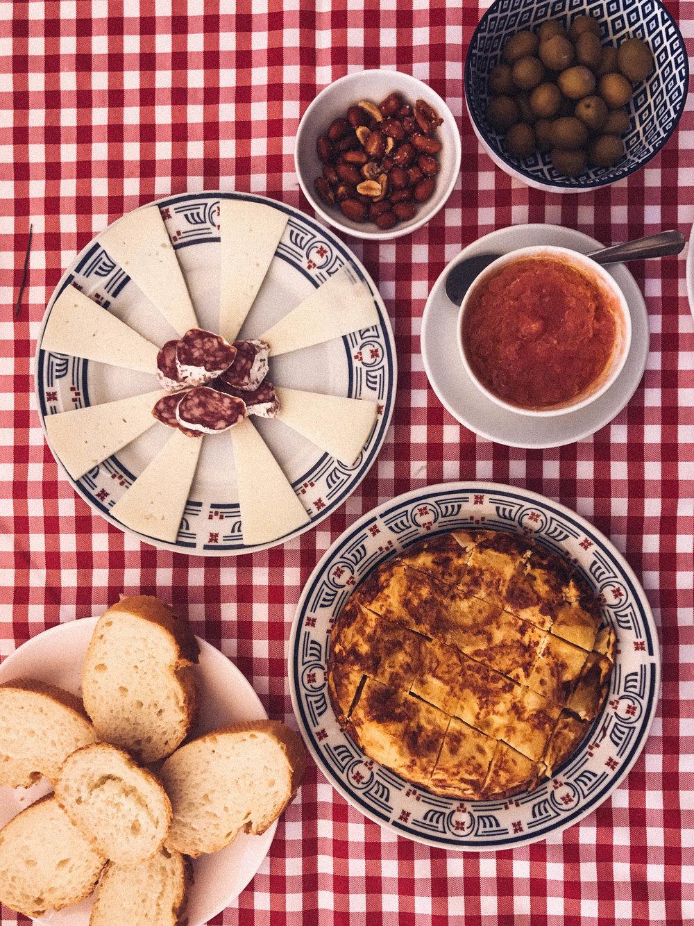 Cooking Paella in Sueca Valencia 7.jpg
