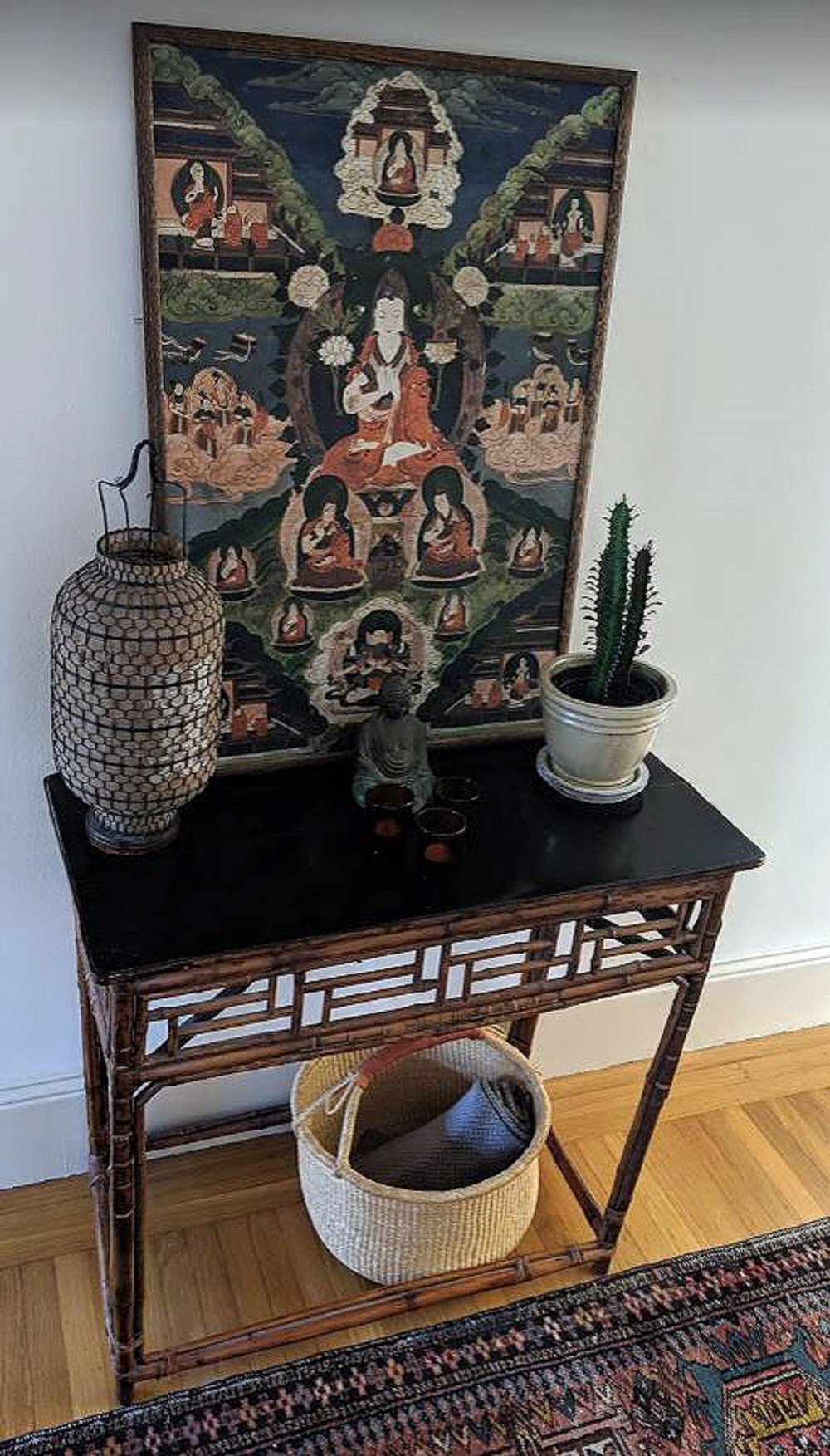 chinese-console-with-tanka.JPG