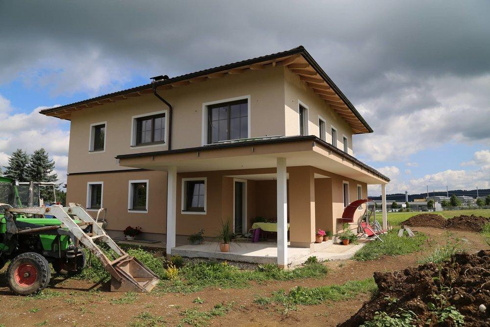 Anbau und Renovierung Roiwalchen, Fenster, Türen, Raffstore, Garagentore