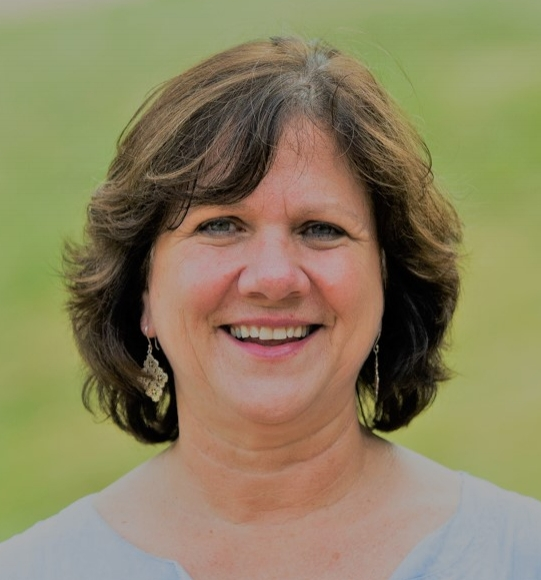 Our Day & Boarding school Expert, Deb Borden, has been an educator and administrator in Independent Schools for over 30 years.Deb prides herself on building close relationships with her students and their families. -