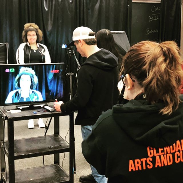 @smyth_shaun of HFC working his magic with tbe students of @hwdsb @shsmbusiness #glendalesecondary #hamont #filmandtv #youaretheonlyyou #artsschool Thank you for having us!
