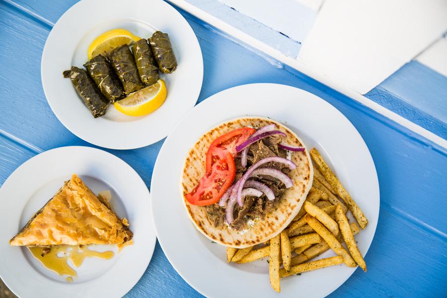DiningGuide_1018_ThreeDogsKouzina_HB-10.jpg