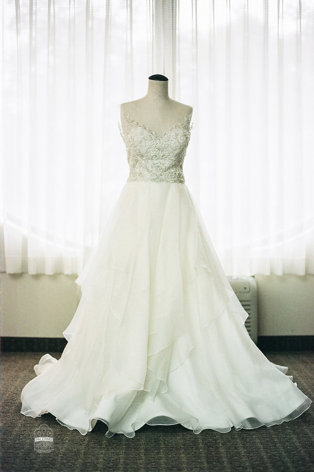 Bride's a-line wedding dress for fall barn wedding in Pittsburgh, PA planned by Exhale Events. Find more wedding inspiration at exhale-events.com!