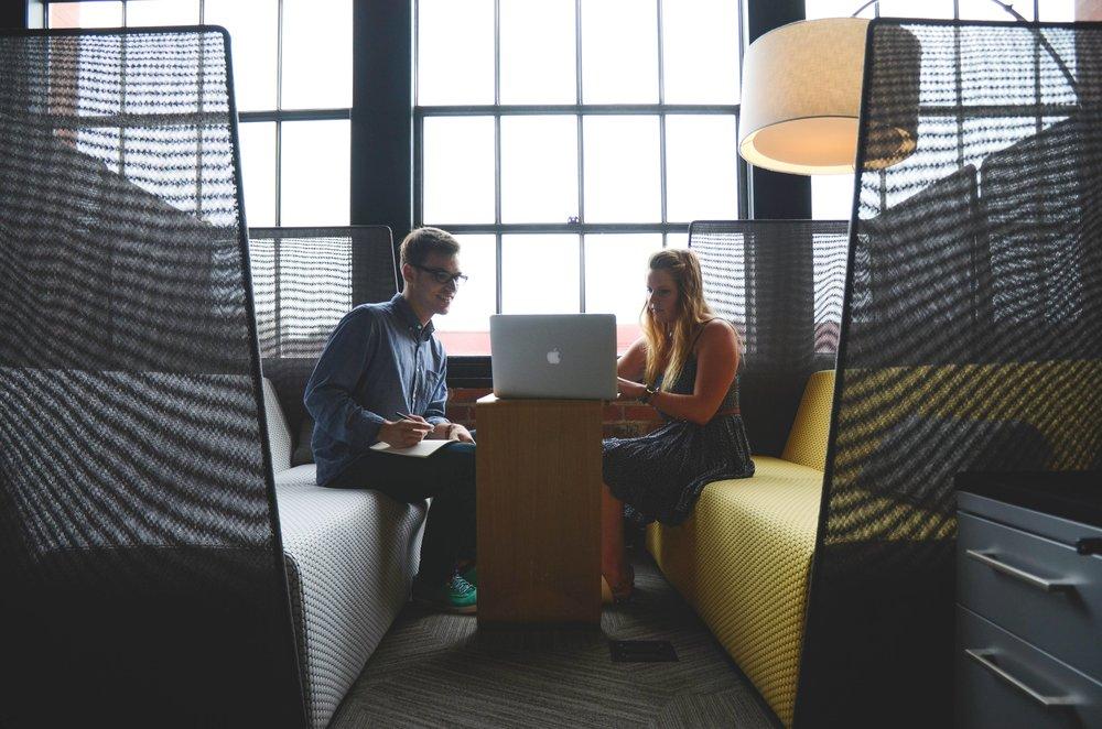 rencontre-vente-bureau-representation-B2B-consutation-vente-marketing-MAR-CVMMAR.jpg