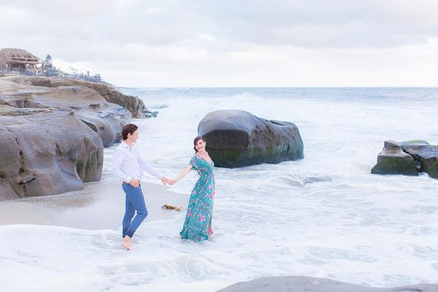 I'm on my way to the beach and I'm thankful that the water is much warmer now than it was in April for Garrison and Anastacia's engagement session! Still so thankful to this adventurous duo for braving the cold water :) . . . . . . . #engaged #beachengagement #engagedlife #belovedstories #couplegoals #ohwowyes #soloverly #theknot #stylemepretty #huffpostrelationships #huffpostido