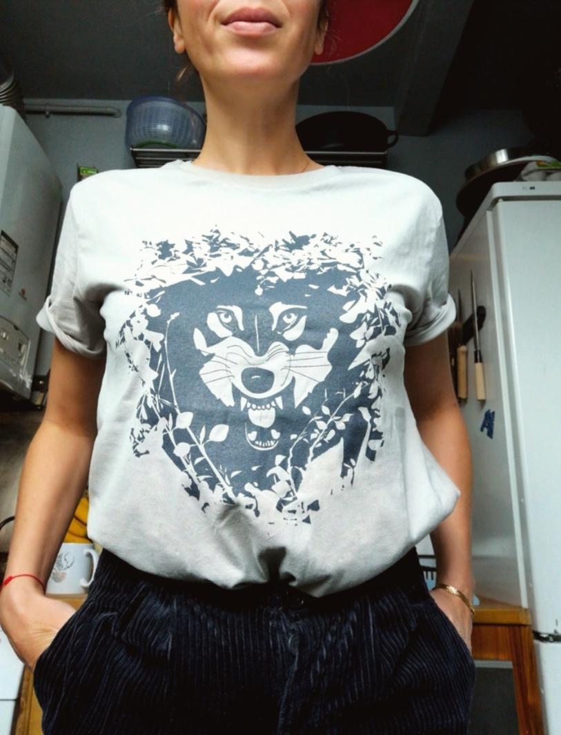 Constance Lacorne, cuisine👌🏻,  T-shirt Louve  - Paris