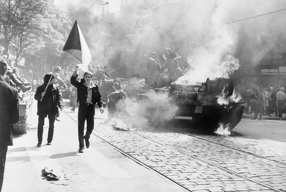 1200px-10_Soviet_Invasion_of_Czechoslovakia_-_Flickr_-_The_Central_Intelligence_Agency.jpg