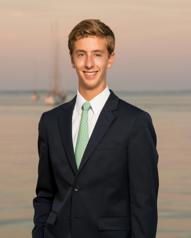 senior portrait on the beach 06.jpg