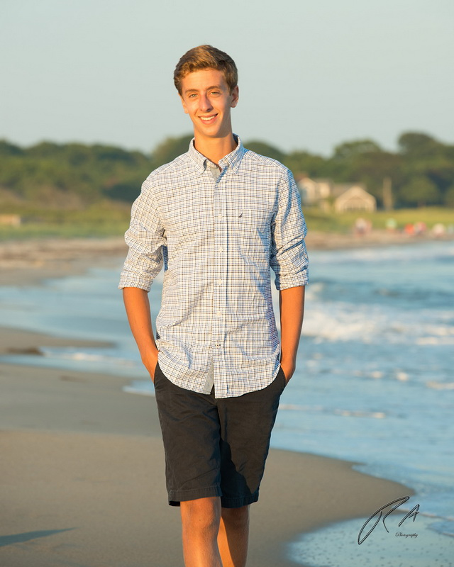 senior portrait on the beach 10.jpg