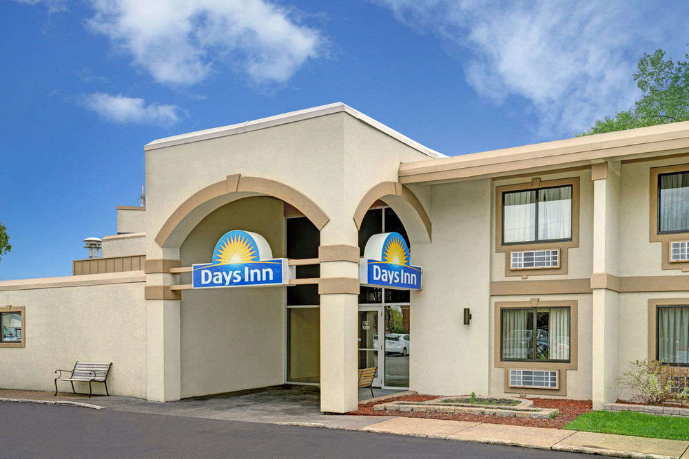 Days Inn Bloomington West - 7851 Normandale BoulevardBloomington, MN 55435Double Queen $119/ Single Queen $106Rate expires 9/20/17**To receive the discount rate, you must call    1-877-361-2506 and reference confirmation #31887018