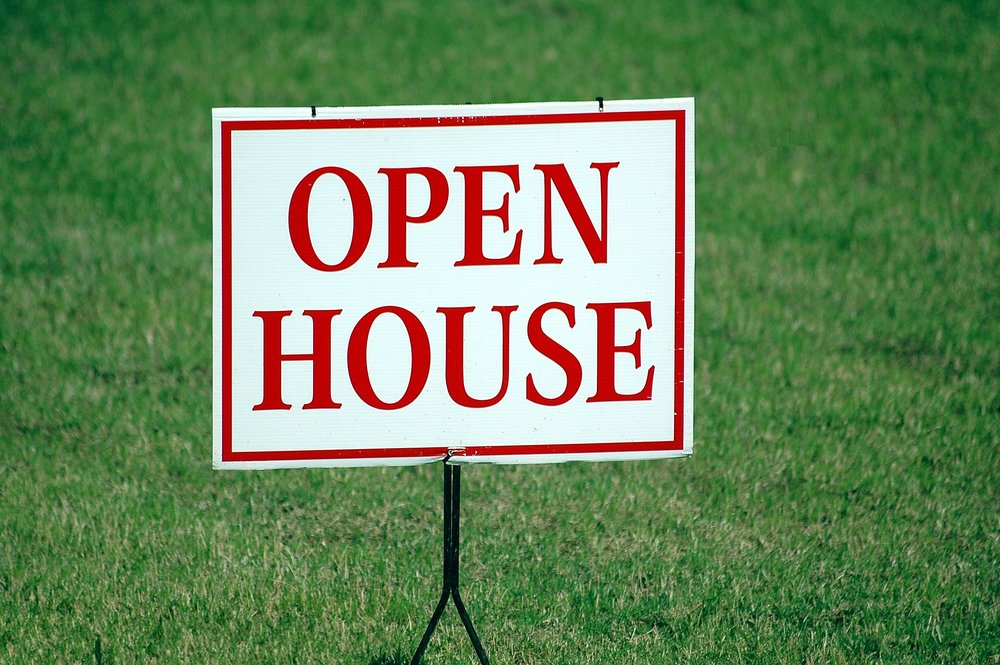 12. OPEN HOUSES AND SHOWINGS - Holding your home during open house times on the weekends. I also show your home during the week and show your property by appointment when requested.