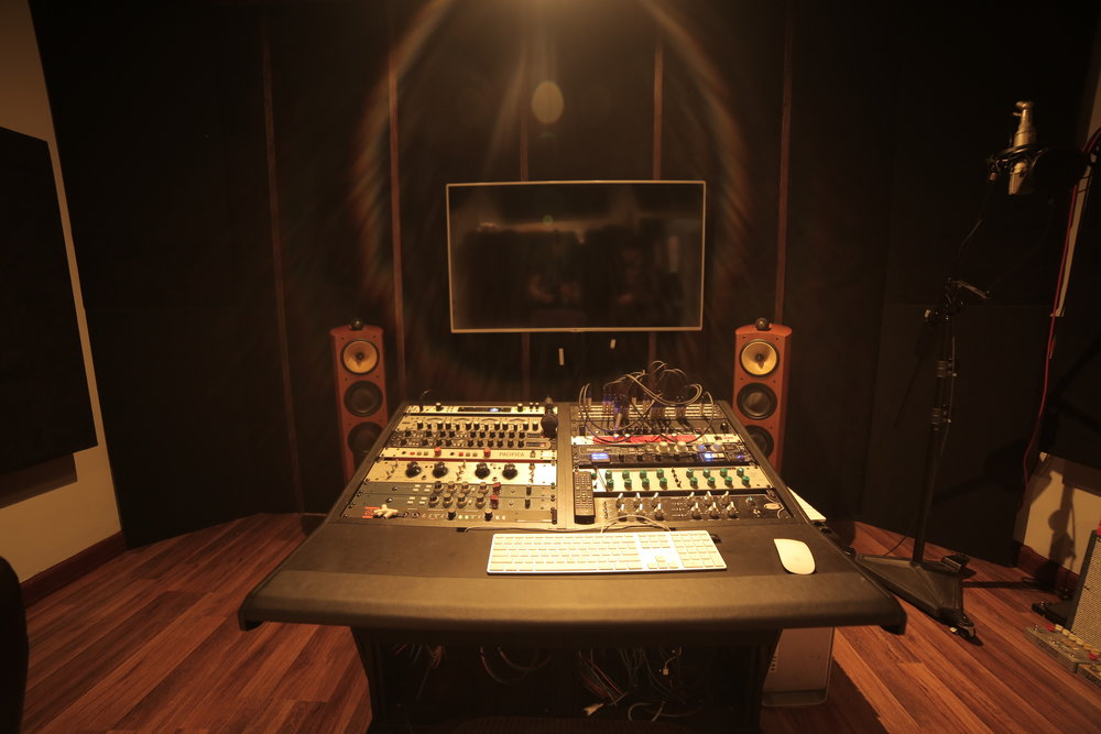 MIXING - We offer Class A mixing services for both our clients and Producers worldwide.