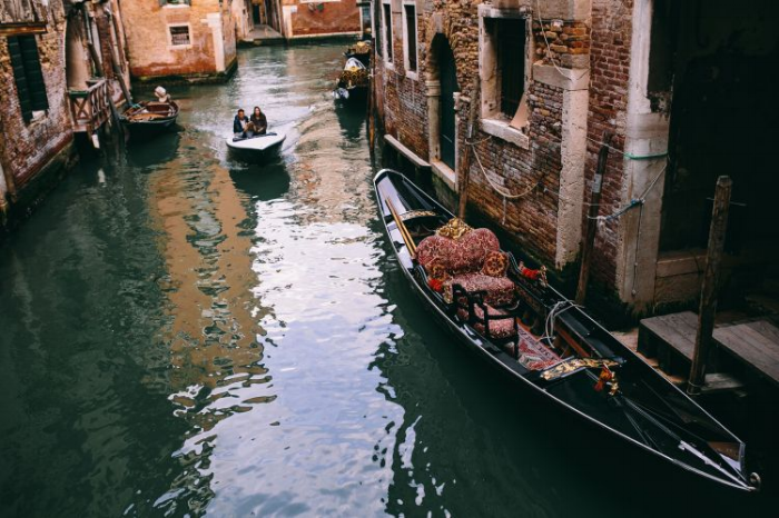 Image from  https://kaboompics.com/photo/3104/canal-with-gondolas-in-venice-italy