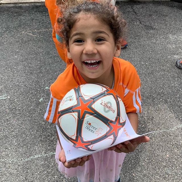 We ended our winter soccer season with @soccershotsla yesterday. We learned so many new skills and had a blast with Coach Andy. Excited for the upcoming spring season. ⚽️🧡⚽️🧡 #preschool #thelittlegardenpreschool #soccershots #winterseason #physicalactivity