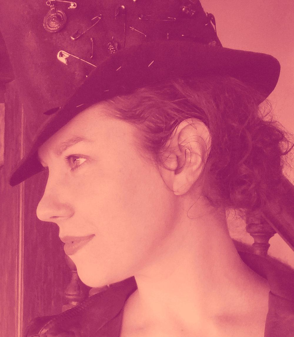 Hilary Davidson Photo - magenta.jpg