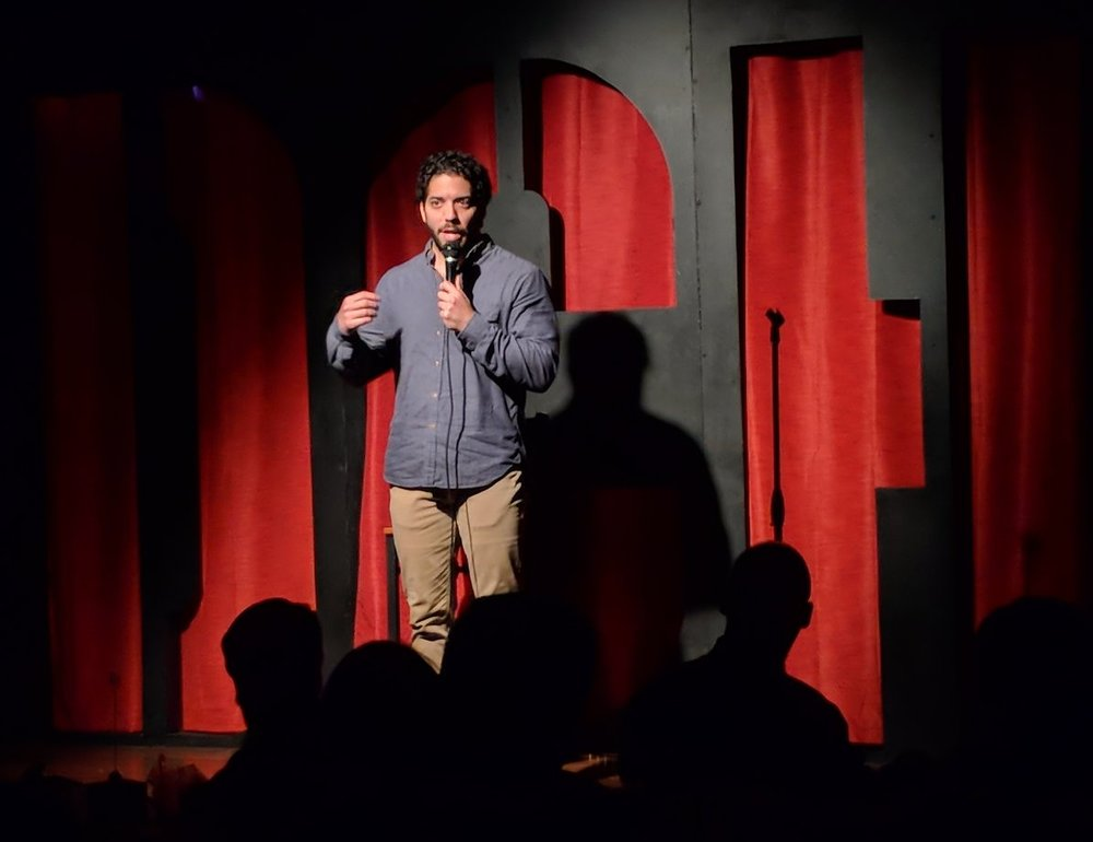 Shahyan working the crowd at the 2018 Dallas Comedy Festival.