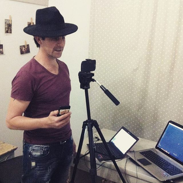 Meet our new friend Nick @k.0.l.i.3.t.e.o.n recording his voice for our first video to be published online tonight!! :)Stay tuned(: #cappellineri #film #shortfilm #fun #youtube #hashtag #community #friends