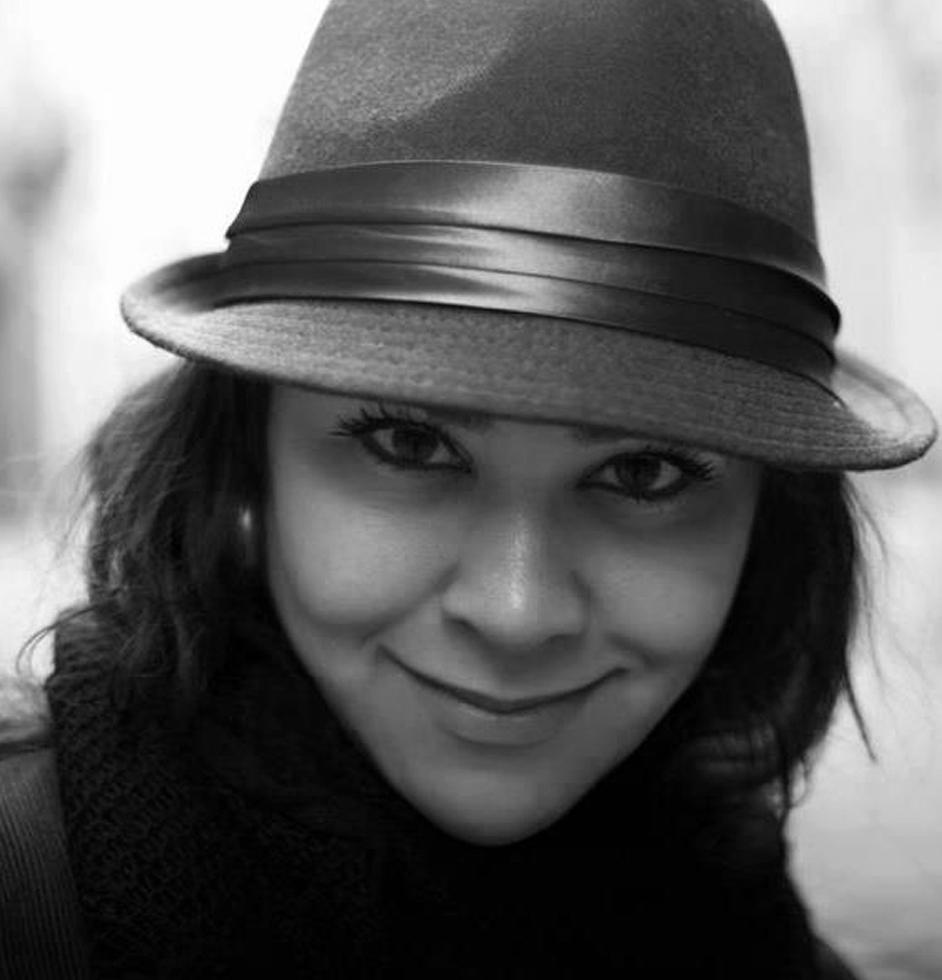 Sara Dast Nama - Artist