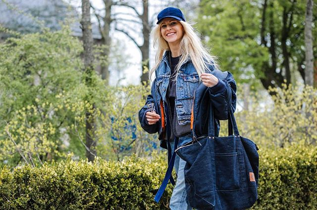 This denim dudette has a new feed that brings a little lady flavor to the denim world. It's called @denim.dudettes and JUST WAIT until you see her new book, launching in 2018. #streetstyle #vintage #obsession #denimdudettes #denimdudes