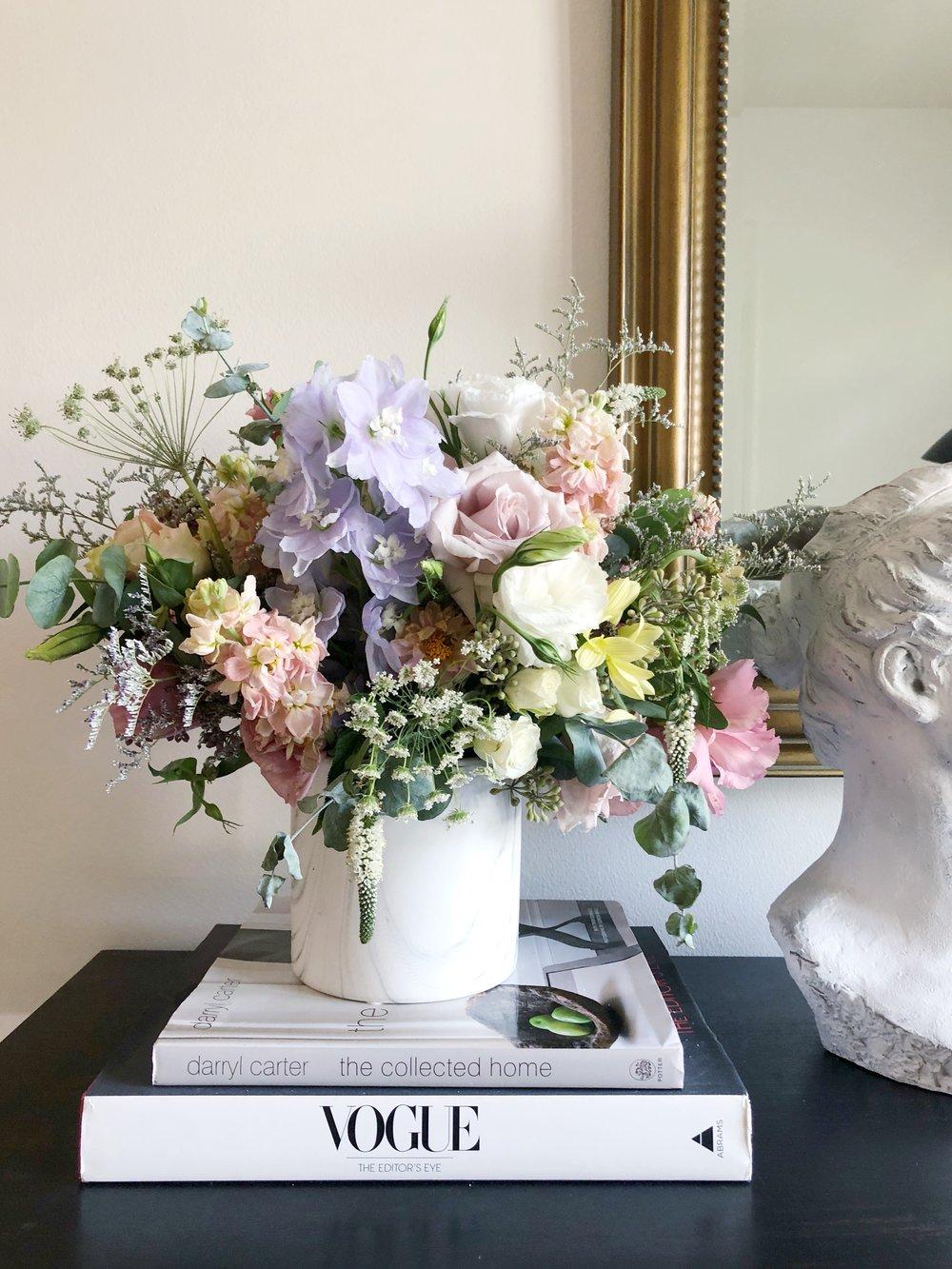 marble vase arrangement.jpeg