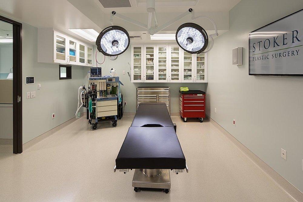 Photo-18-Surgery-Room.jpg