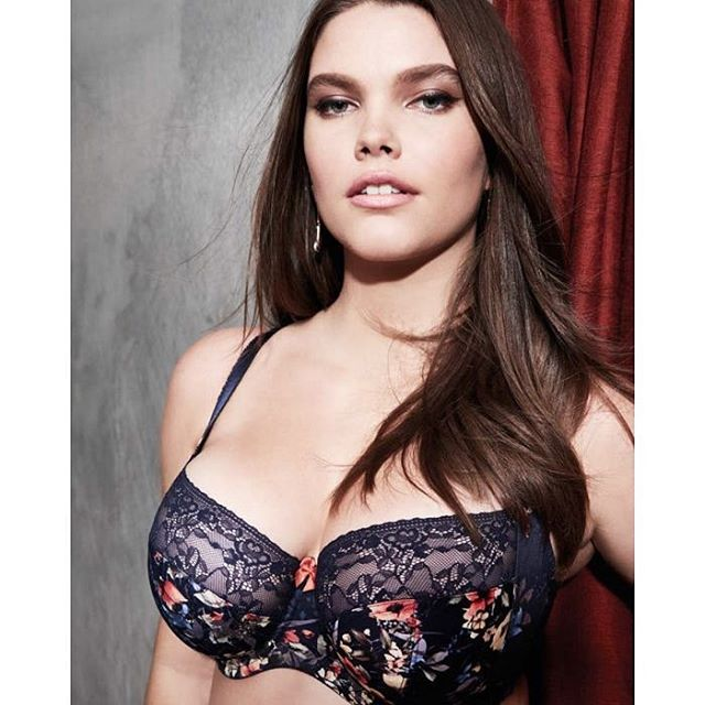 Thursday's Bread and Roses sale is afoot! Swing by every Thursday and receive 25% off select floral styles, like the Chi Chi in Navy Floral by @sculptresse! Kick off the summer with the perfect fit. . . . . . . . . #revelationinfit #revelation #losaltos #dtlosaltos #downtownlosaltos #sanjose #paloalto #moutainview #siliconvalley #farmersmarket #farmersmarketflowers #farmersmarketfun #farmersmarketthursdays #losaltosfarmersmarket #losaltosca #floralprint #sale #discounts #clearance #brafitting #lingeriefashion #thursdayvibes #thursdaytreat