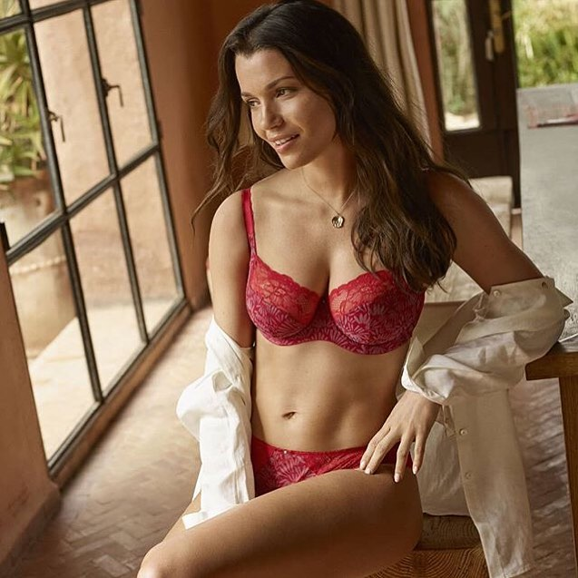 The new @lovepanache Berry Burst Jasmine set is just the right pop of color on this blustery afternoon. Chase those rainy day blues away with this bold red print! Available in 30-38 D-G and matching Brazilian available in sizes XS-XXL ⠀ .⠀ .⠀ .⠀ .⠀ .⠀ #revelationinfit #revelation #demystifyingthedd #sanfrancisco #bodypositivity #bras #brasthatfit #brafitting #brafashion #intimates #lovelingerie #lingeriestore #confident #loveyourbody #beautybeyondsize #lovetheskinyourein #knowyourbody #selflove #educateyourself #treatyoself #shoplocal #sfbayarea