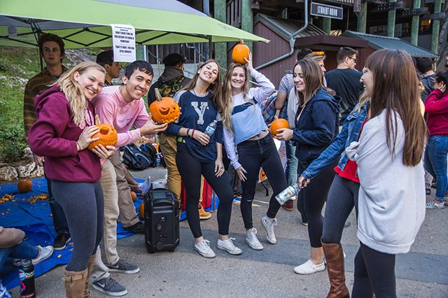 Yesterday, the brothers of @aepi_ucsc and the sisters of @ucscalphapsi raised over $600 to support the victims of the Northern California fires. We'd like to thank everyone who participated for their generosity and support. A special thanks to @rodonifarms for donating the pumpkins!  Photos courtesy of @stephenlouismarino
