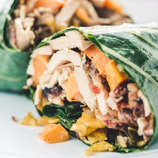 Speaking of healthy...our Collard Wraps are probably the freshest wraps out there! 🌯 🥗💪🏽These, along with the rest of the Proteins & Greens menu were designed for healthy, clean eating. Perfect for your next office lunch! #EatTheWorld @EatHolidays 🌎🍚🌏
