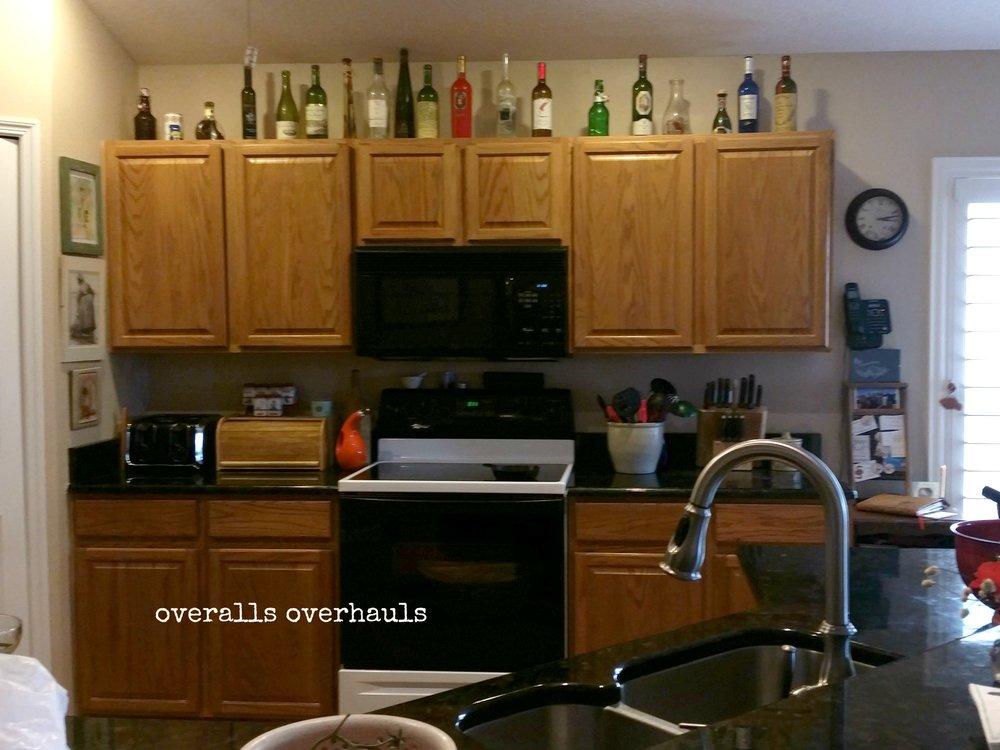 bings kitchen before.jpg
