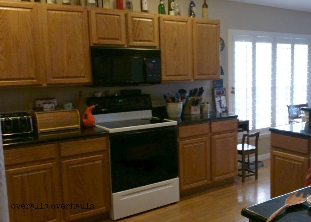 bings kitchen before 2.jpg
