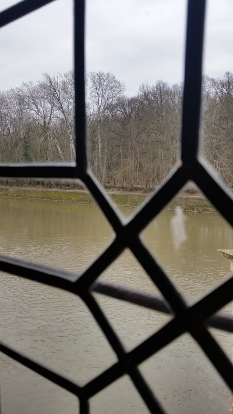 paris-castle-ghost.jpg