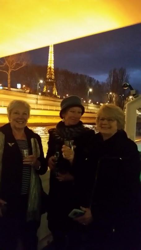paris-champagne-blurs-your-face.jpg