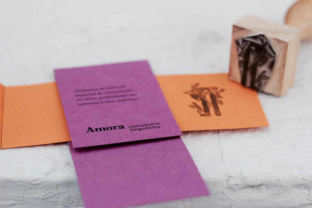 marca livro, glifo, amora consultoria, identidade verbal