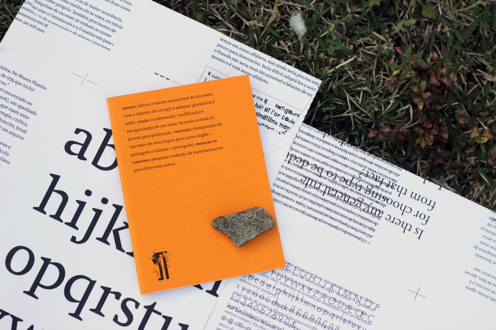 Caderno, livro, comunicação, conversa, amora consultoria linguística